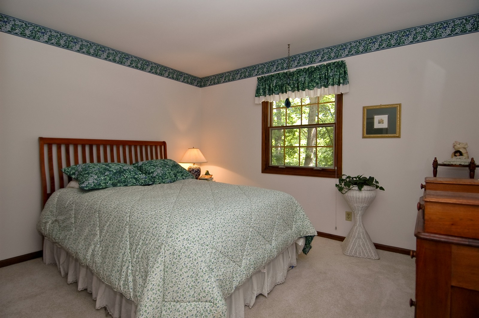 Real Estate Photography - 4403 New Hampshire, Crystal Lake, IL, 60012 - 2nd Bedroom