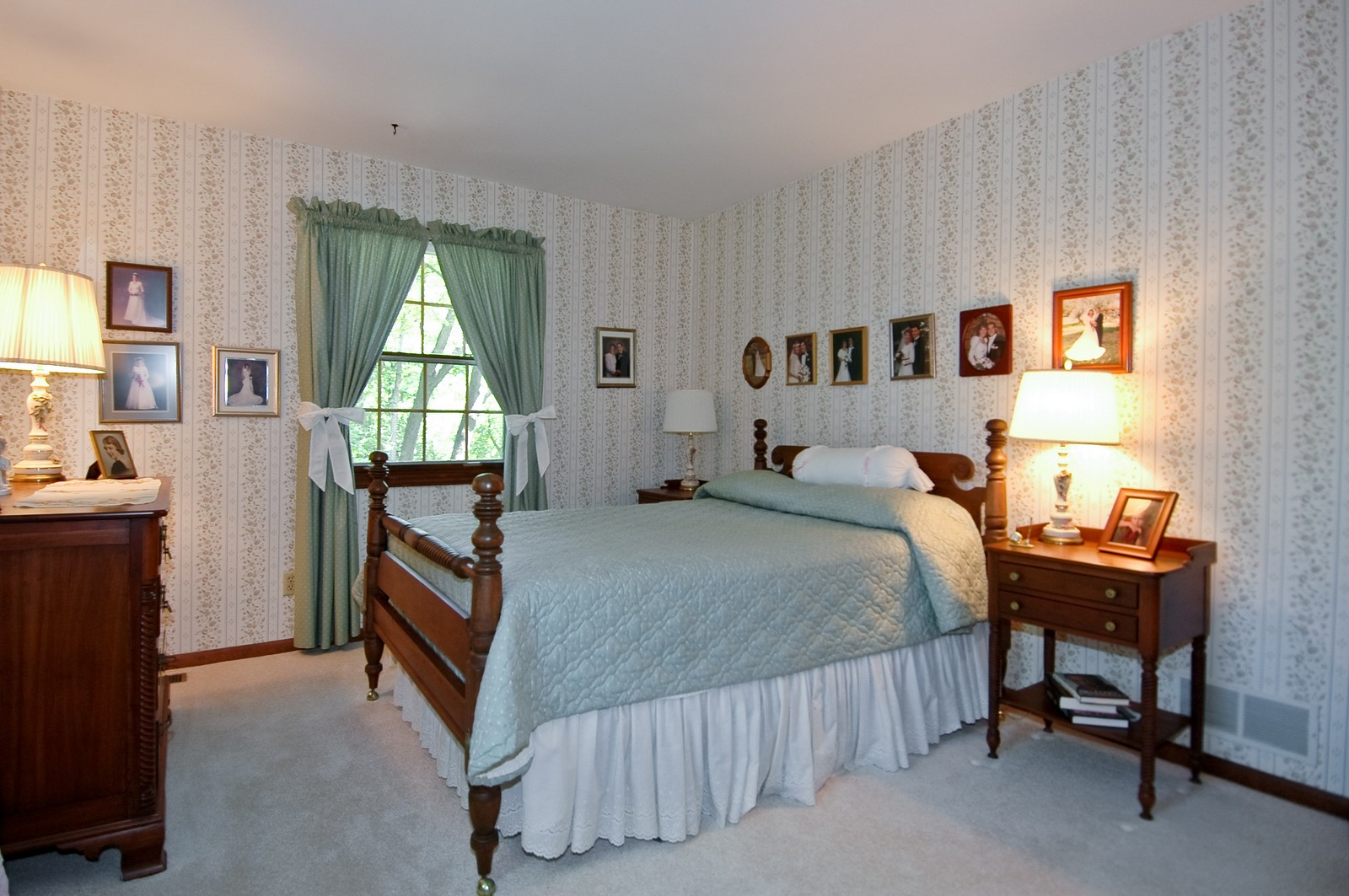 Real Estate Photography - 4403 New Hampshire, Crystal Lake, IL, 60012 - Bedroom