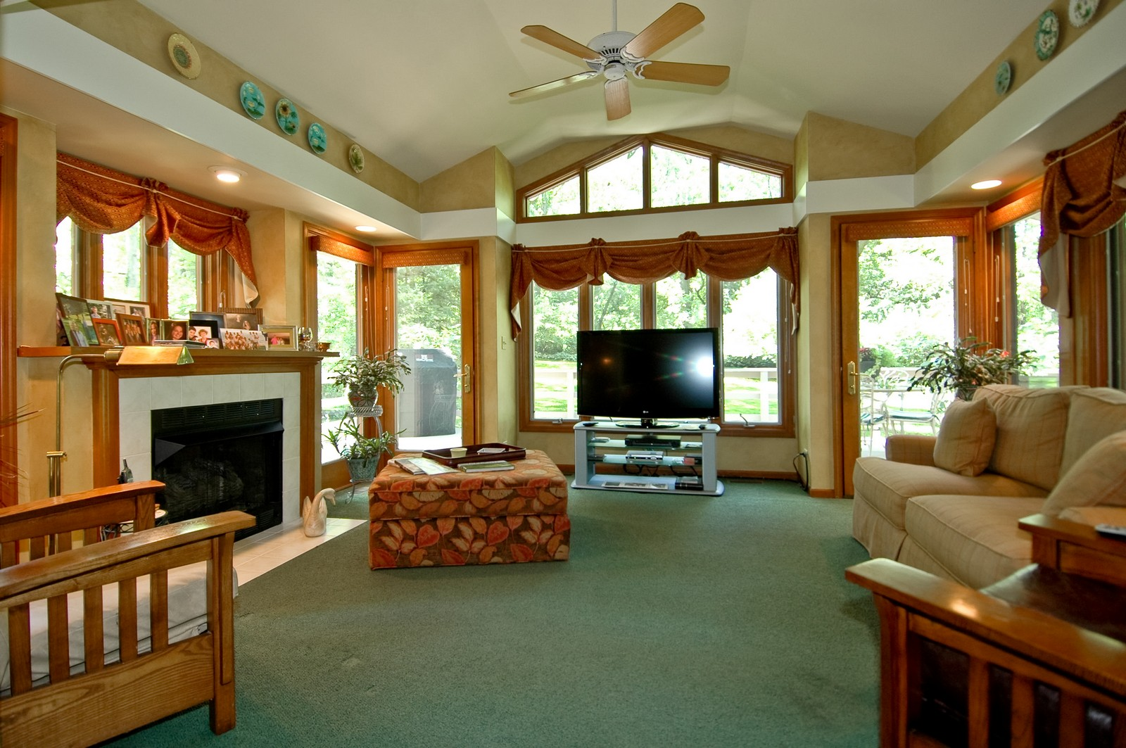 Real Estate Photography - 4403 New Hampshire, Crystal Lake, IL, 60012 - Sun Room