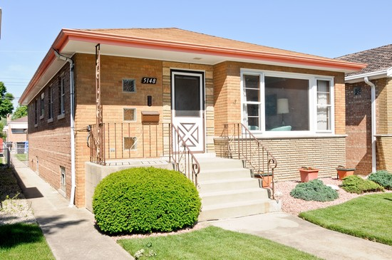 Front View photograph of 5148 S Nashville Chicago Illinois 60638