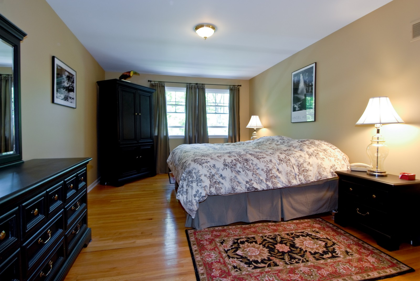 Real Estate Photography - 4N035 Thornapple Rd, St Charles, IL, 60174 - Master Bedroom