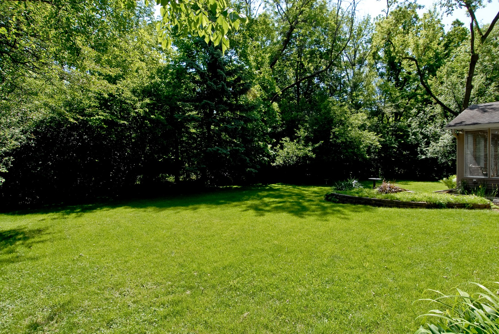 Real Estate Photography - 4N035 Thornapple Rd, St Charles, IL, 60174 - Back Yard