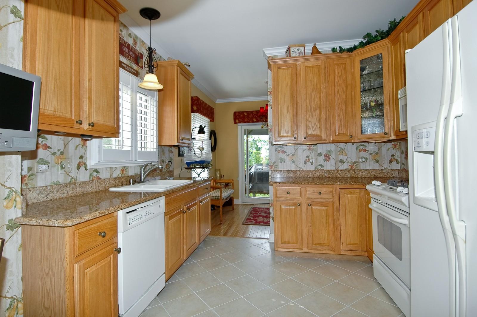 Real Estate Photography - 8337 Raptor, Lakewood, IL, 60014 - Kitchen