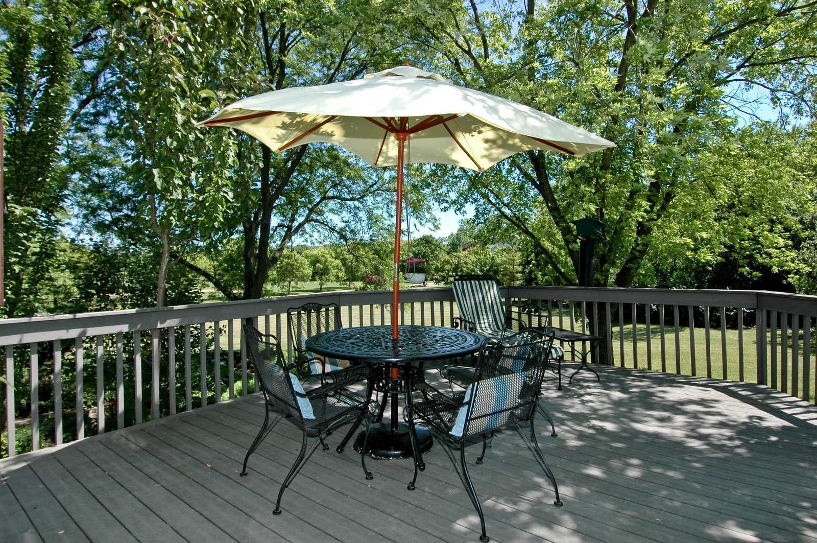 Real Estate Photography - 222 River, Cary, IL, 60013 - Deck