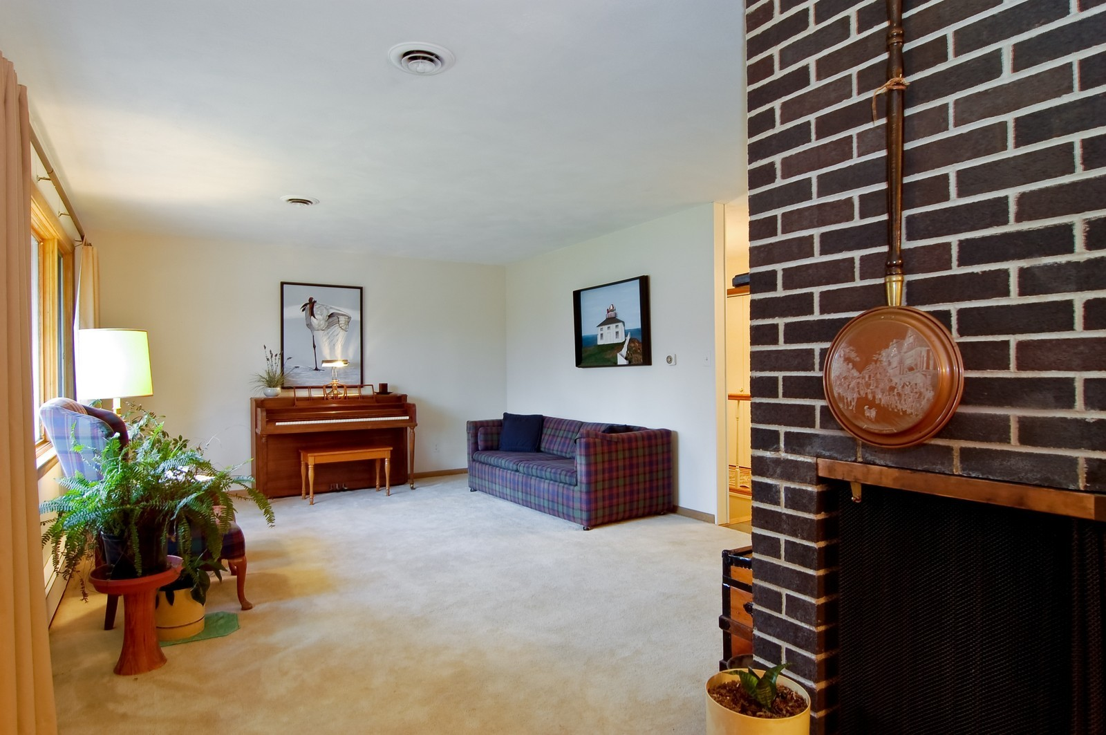 Real Estate Photography - 520 S 11th, St Charles, IL, 60174 - Living Room