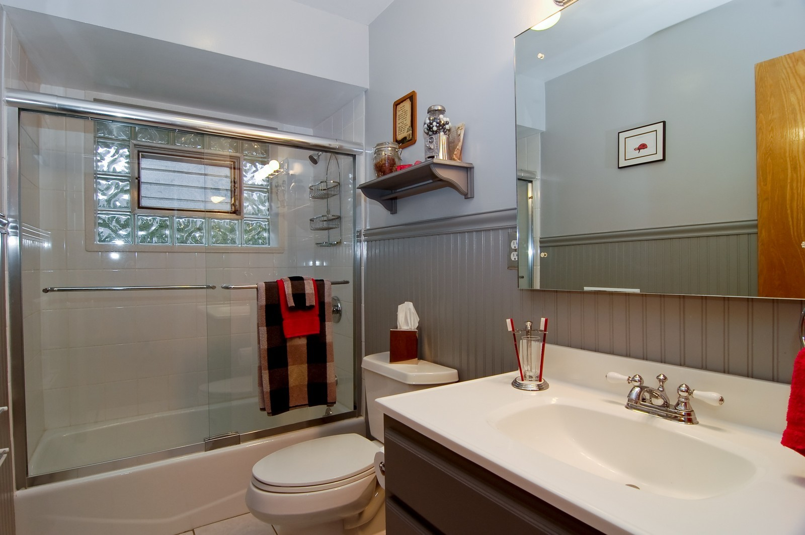 Real Estate Photography - 520 S 11th, St Charles, IL, 60174 - Bathroom