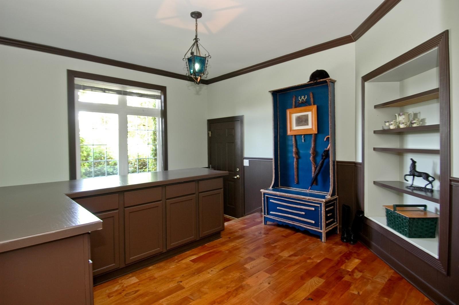 Real Estate Photography - 32W601 Rochefort, Wayne, IL, 60184 - Mud Room