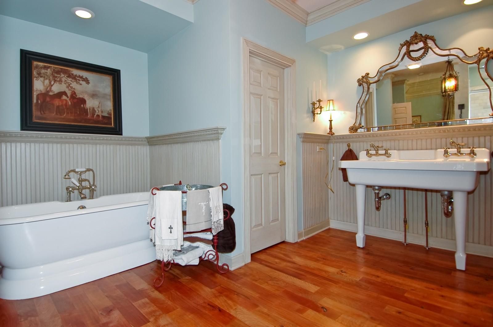 Real Estate Photography - 32W601 Rochefort, Wayne, IL, 60184 - Master Bathroom