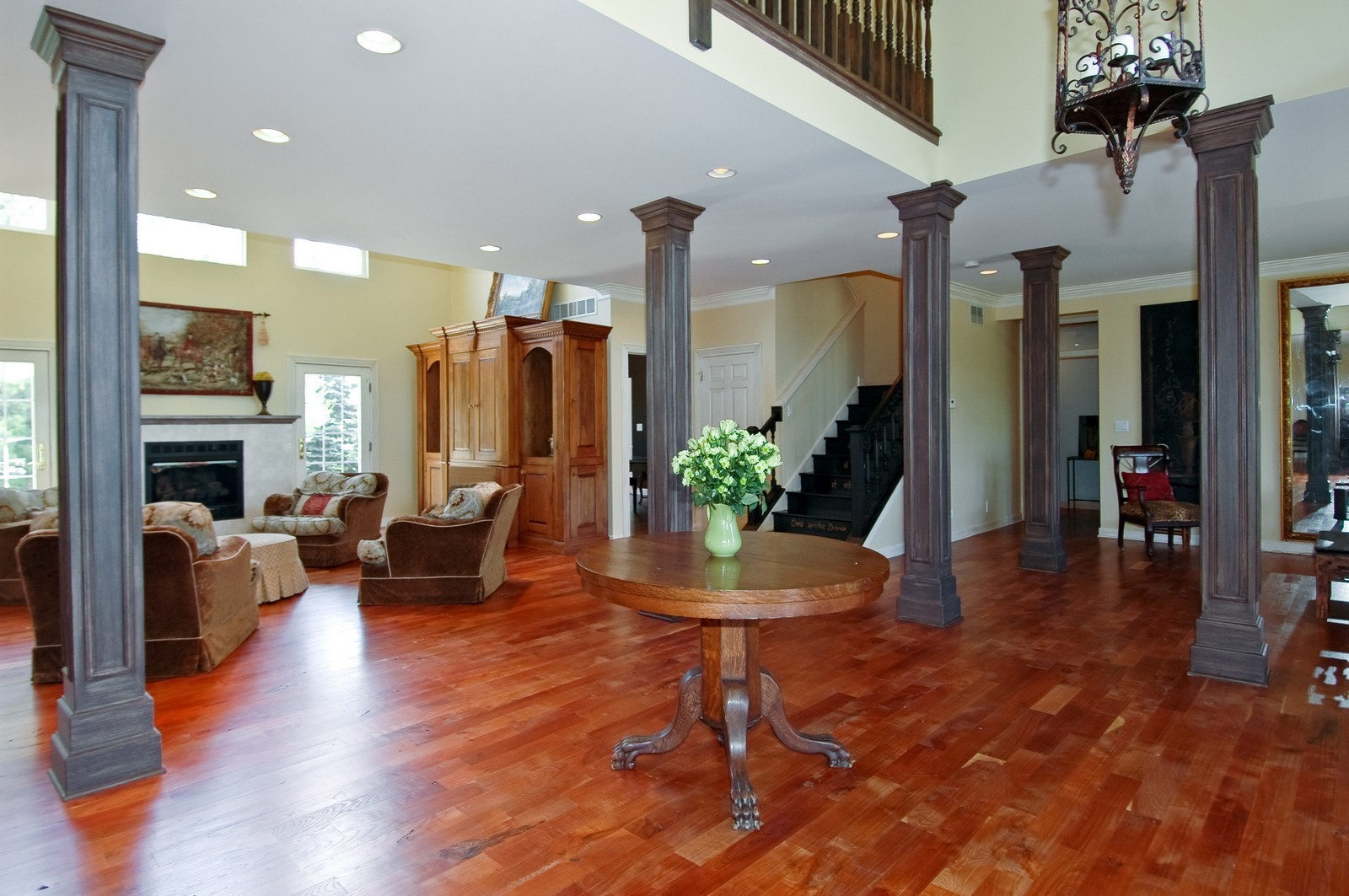 Real Estate Photography - 32W601 Rochefort, Wayne, IL, 60184 - Foyer/Living Room