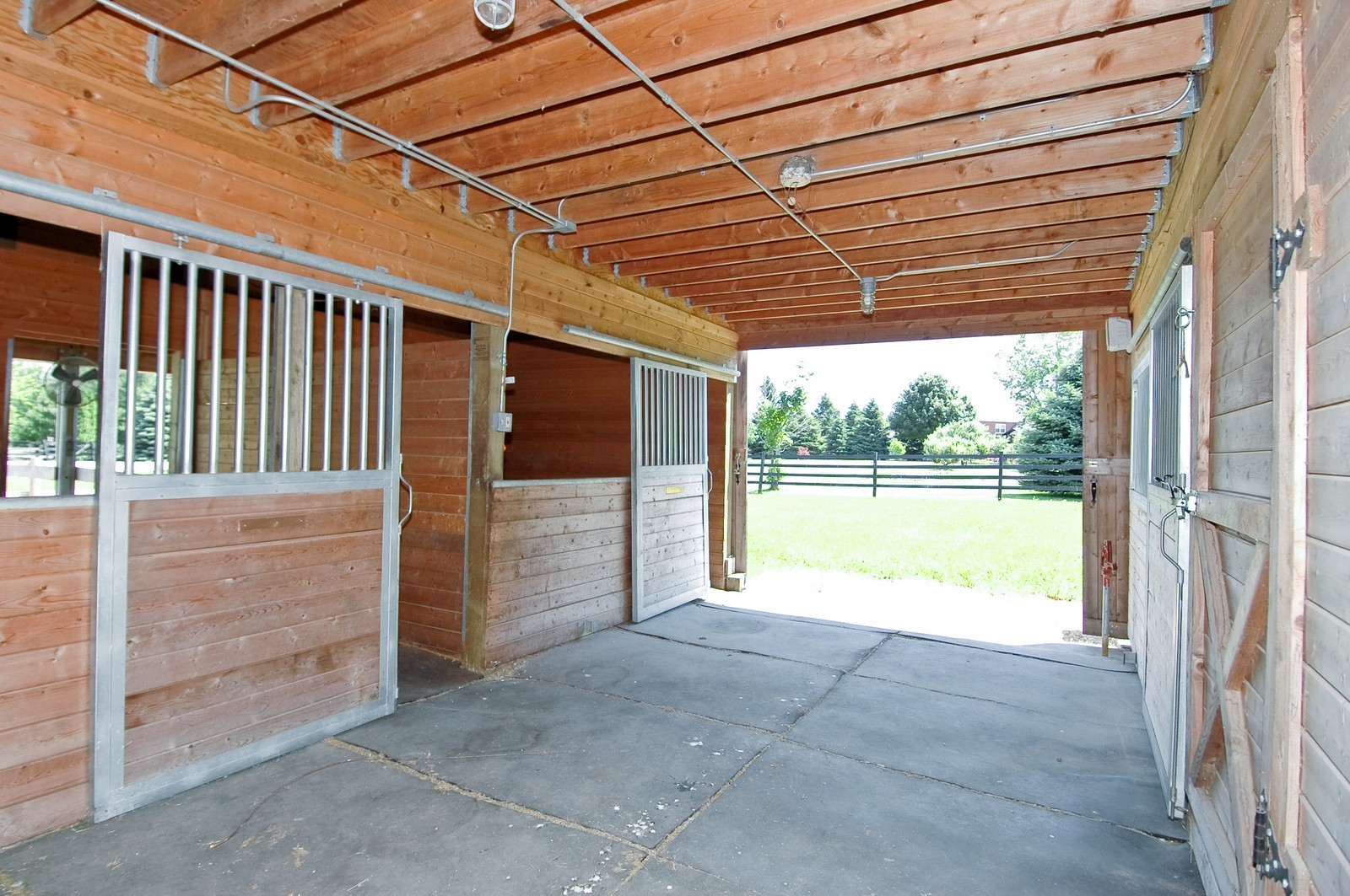 Real Estate Photography - 32W601 Rochefort, Wayne, IL, 60184 - Horse Stall / Stables