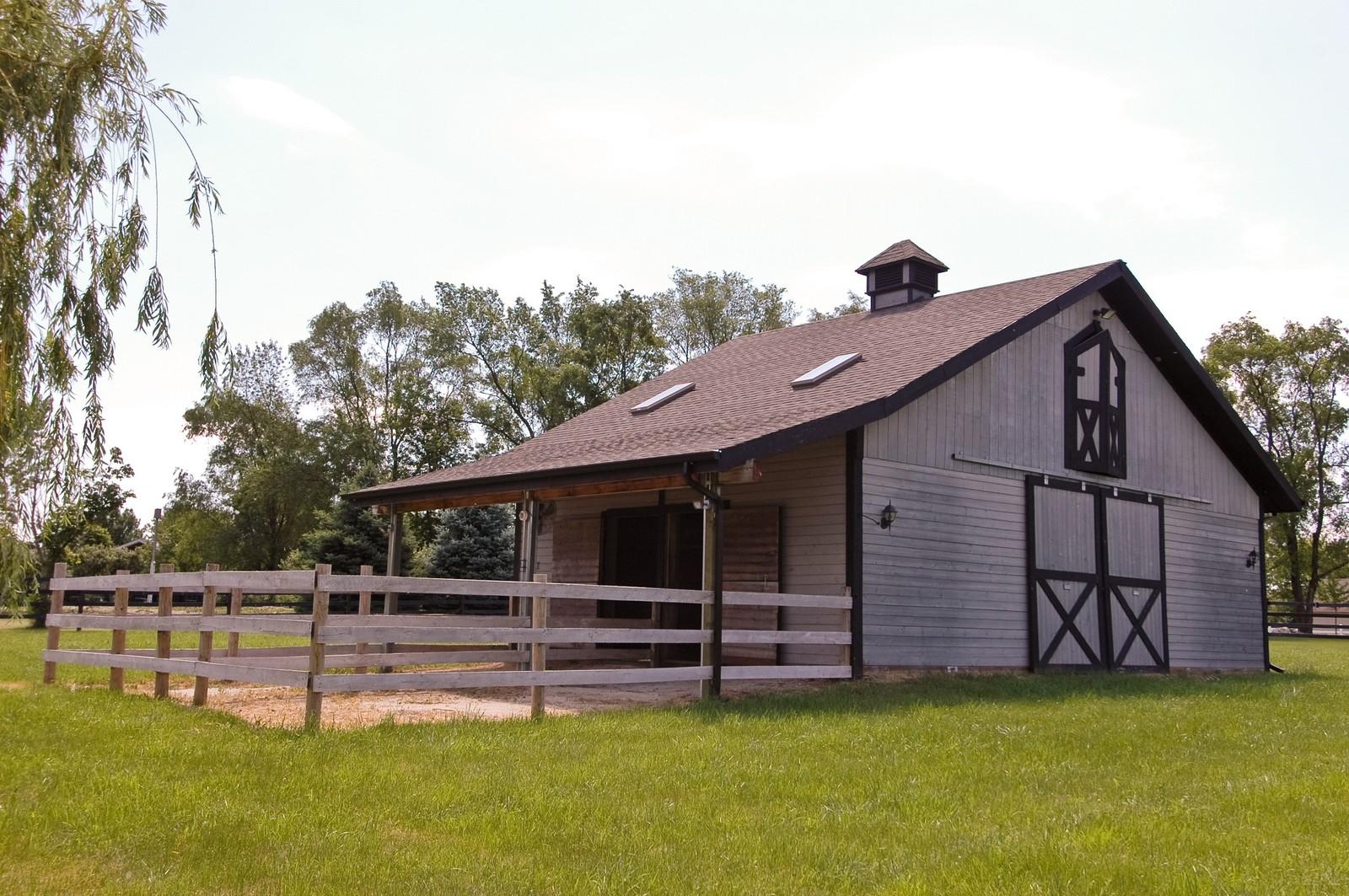 Real Estate Photography - 32W601 Rochefort, Wayne, IL, 60184 - Barn