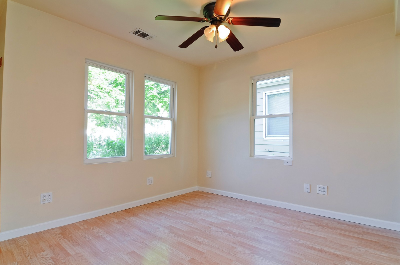 Real Estate Photography - 321 N Bellevue, Round Lake Park, IL, 60073 - Living Room