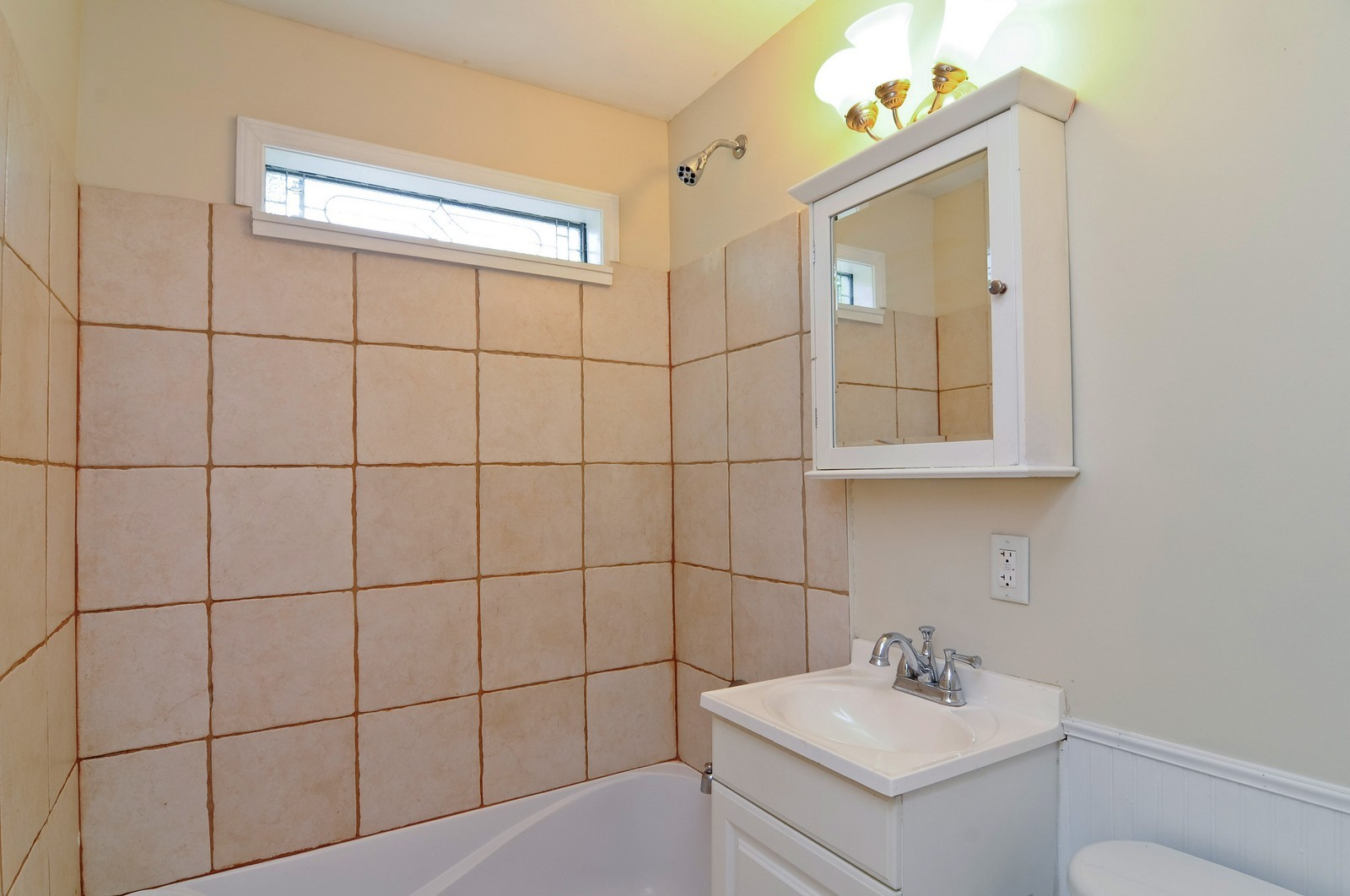 Real Estate Photography - 321 N Bellevue, Round Lake Park, IL, 60073 - Bathroom