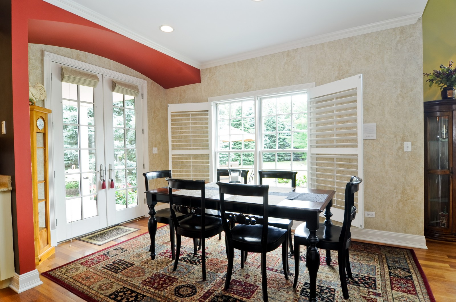 Real Estate Photography - 7 Jane, Barrington Hills, IL, 60010 - Breakfast Nook