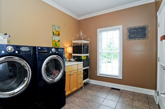 Real Estate Photography - 7 Jane, Barrington Hills, IL, 60010 - Laundry Room