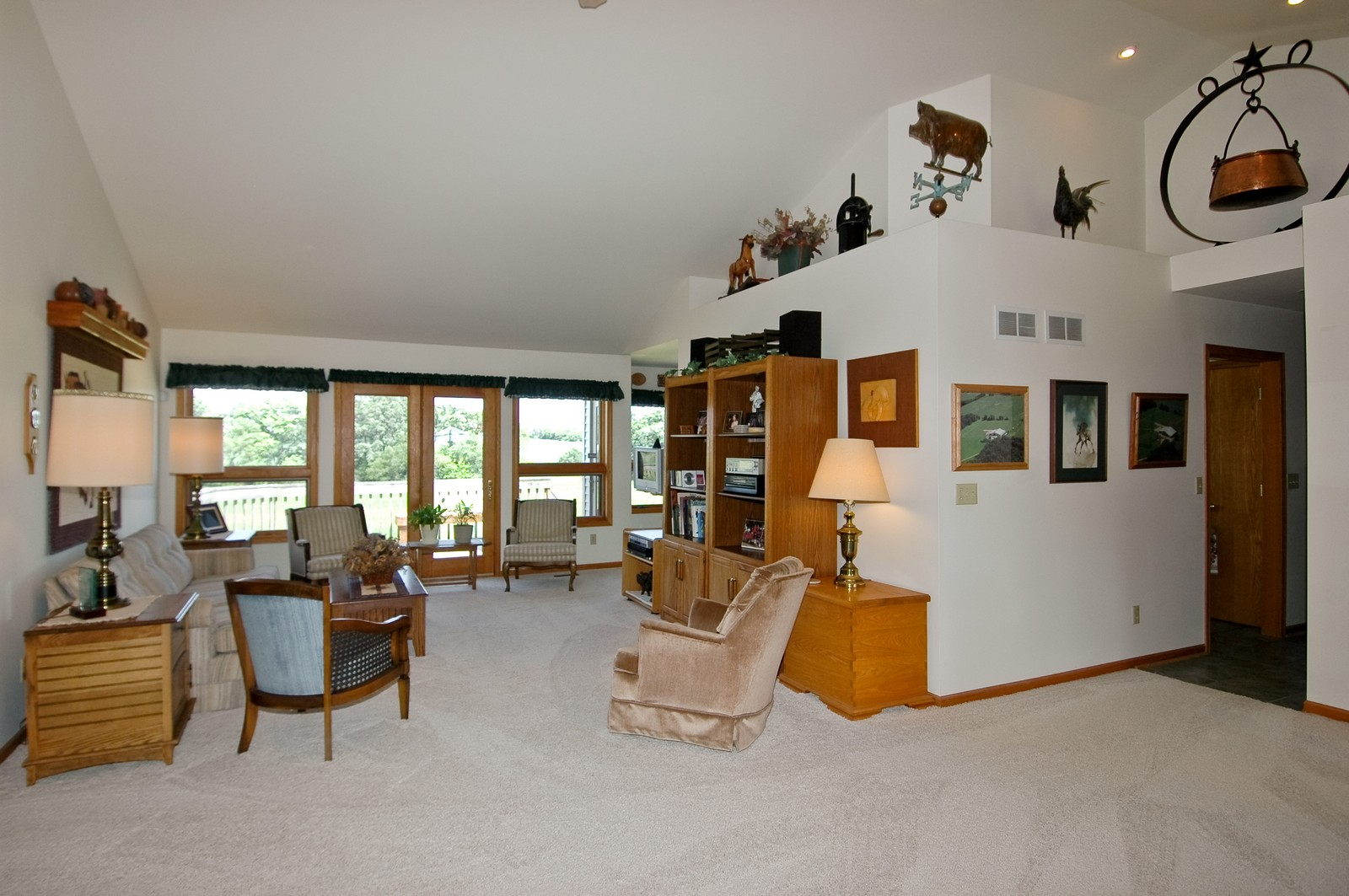 Real Estate Photography - 11785 Coon Trail, Harvard, IL, 60033 - Living Room