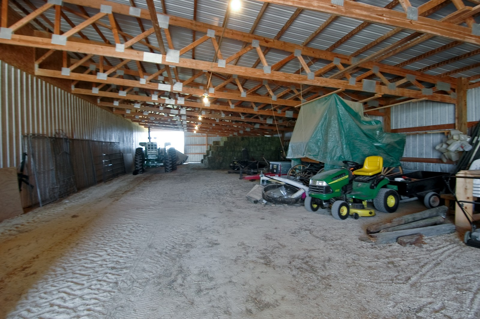 Real Estate Photography - 11785 Coon Trail, Harvard, IL, 60033 - Barn