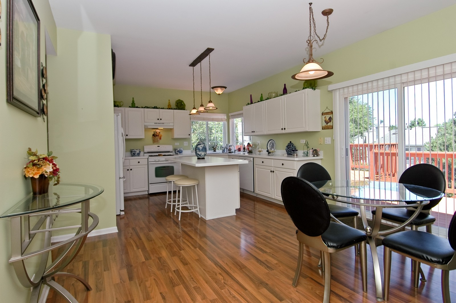 Real Estate Photography - 205 Lake, Algonquin, IL, 60102 - Kitchen