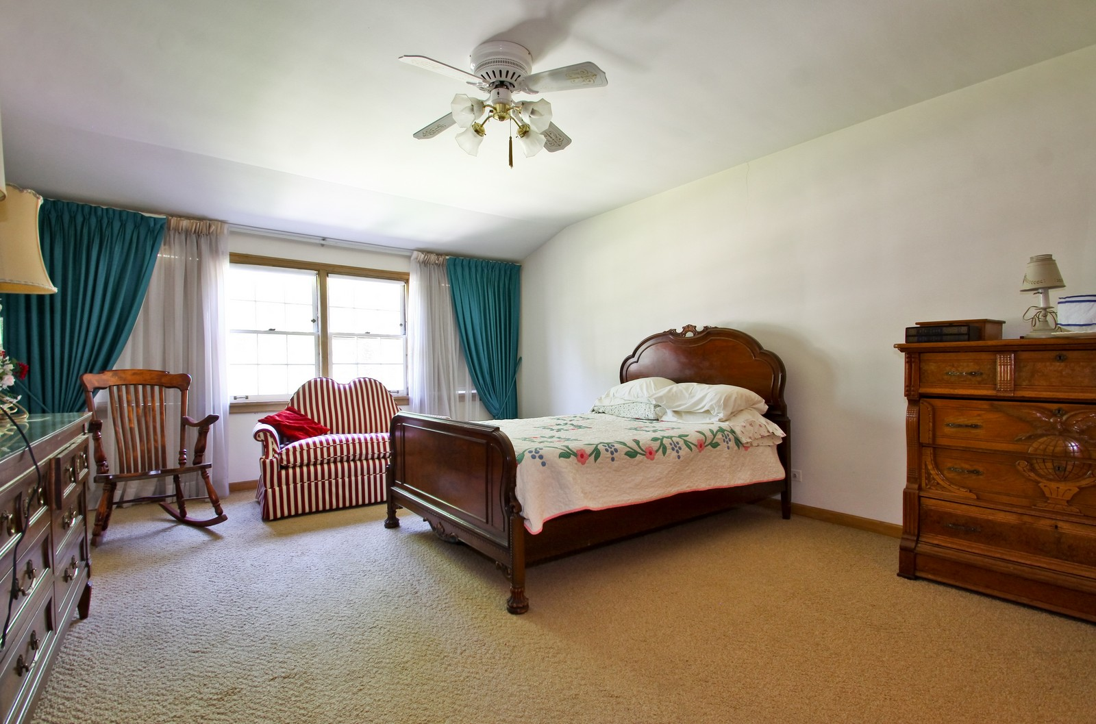 Real Estate Photography - 6756 N Lockwood, Lincolnwood, IL, 60712 - Bedroom