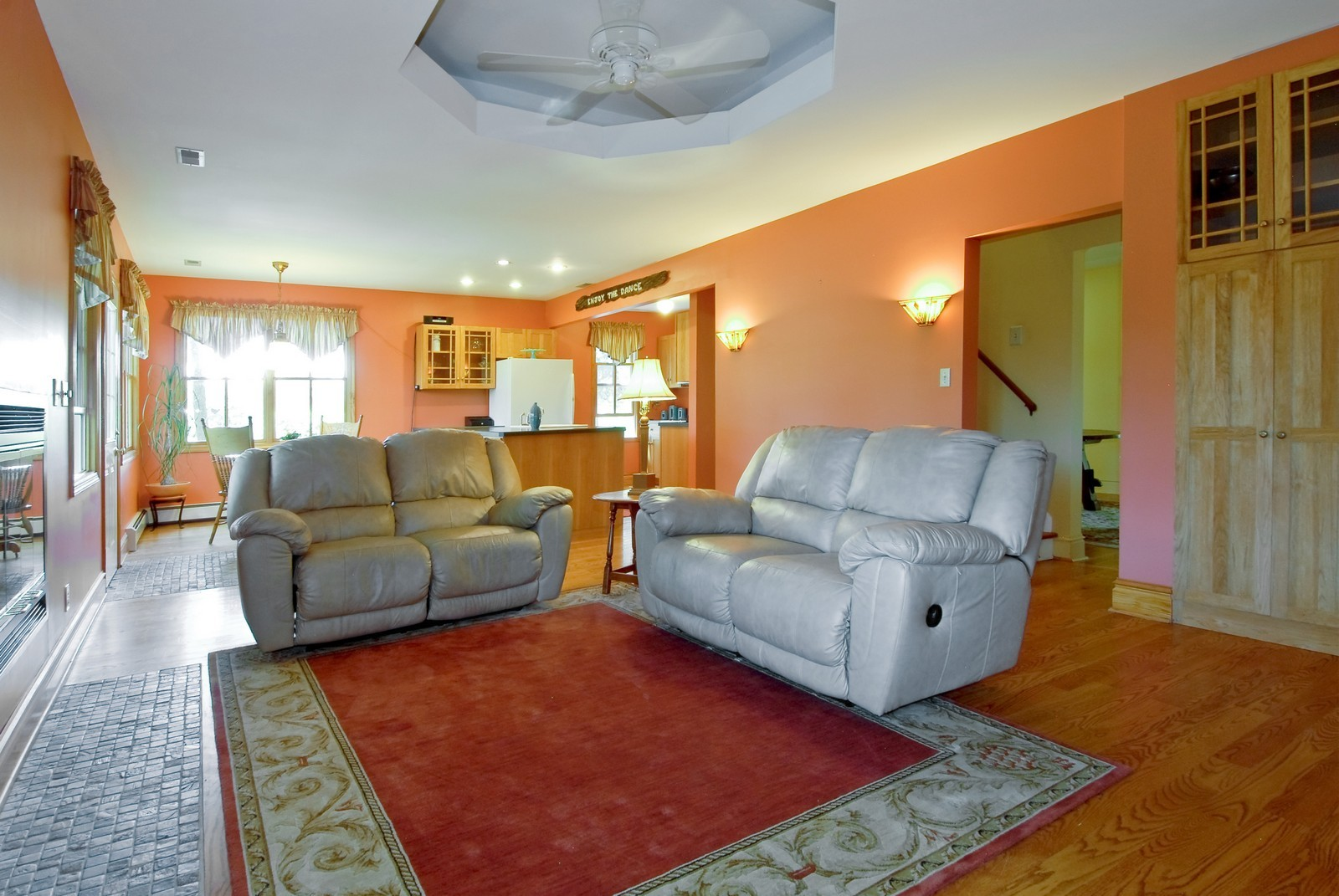 Real Estate Photography - 4N753 Route 31, Saint Charles, IL, 60175 - Living Room