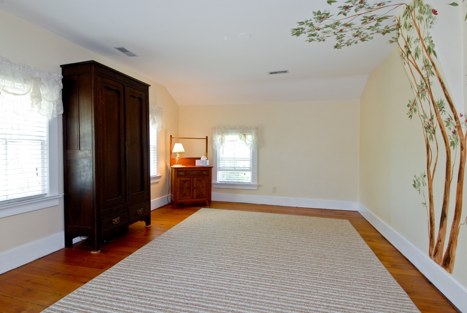 Real Estate Photography - 4N753 Route 31, Saint Charles, IL, 60175 - 2nd Bedroom