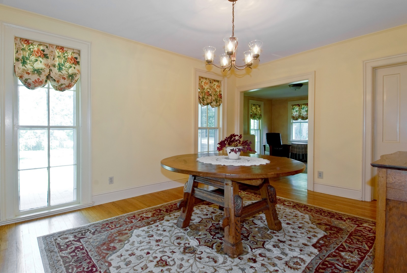 Real Estate Photography - 4N753 Route 31, Saint Charles, IL, 60175 - Dining Room