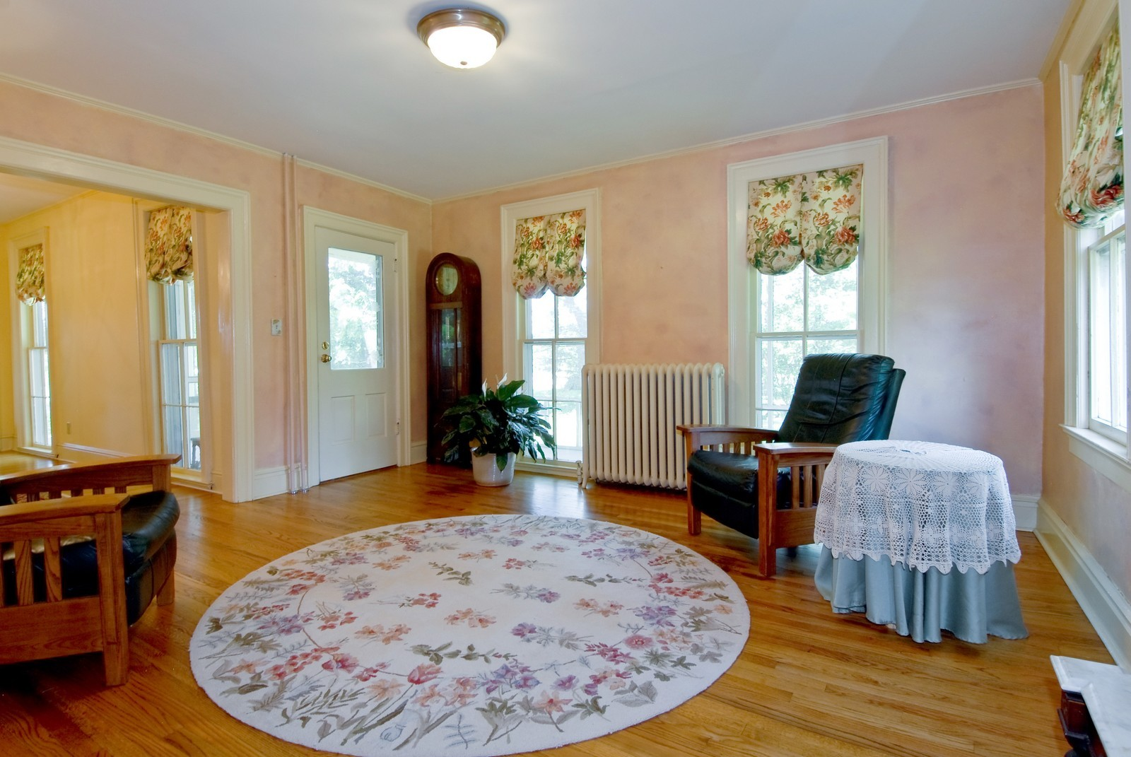 Real Estate Photography - 4N753 Route 31, Saint Charles, IL, 60175 - Family Room