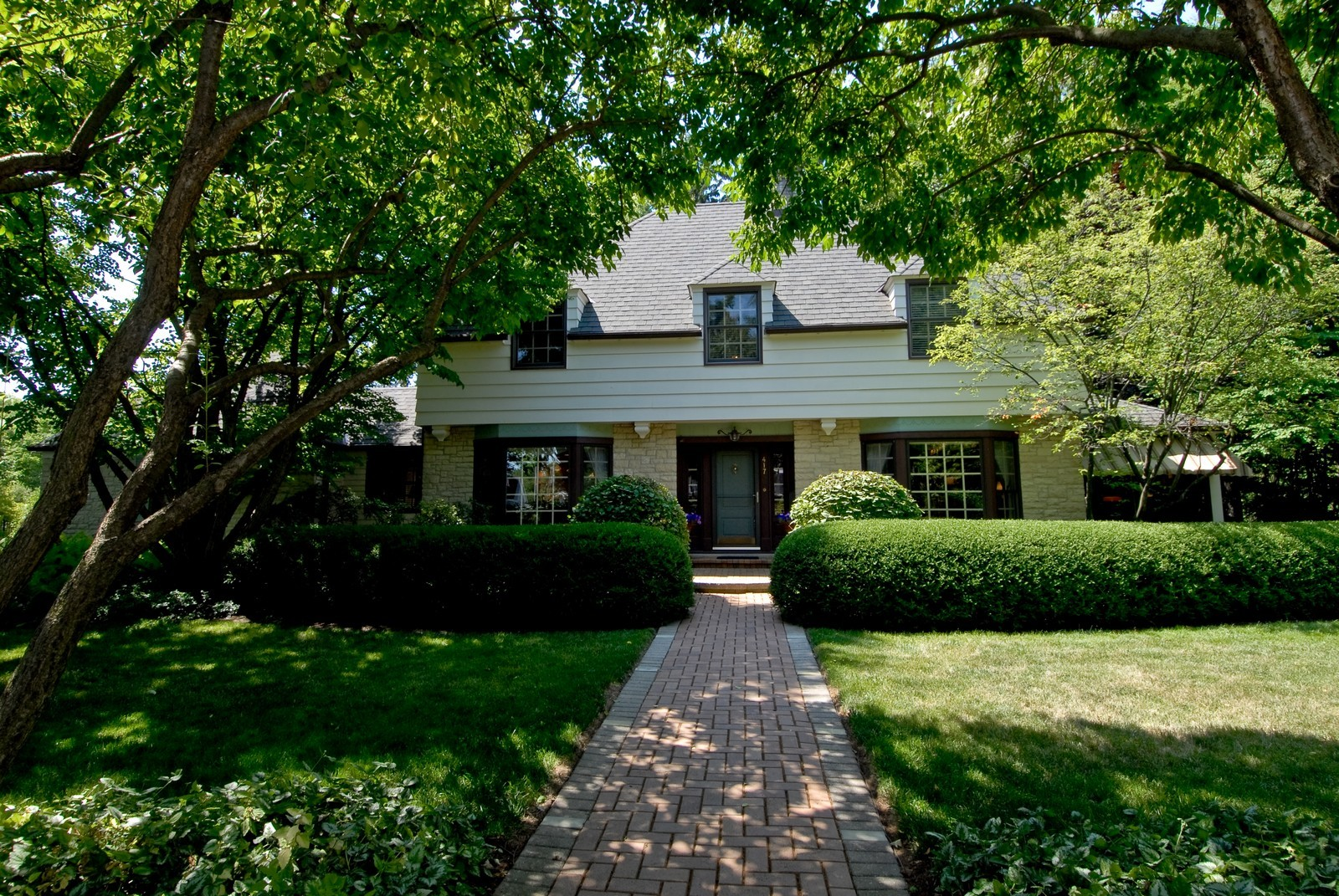 Real Estate Photography - 417 S McKinley, St Charles, IL, 60174 - Front View