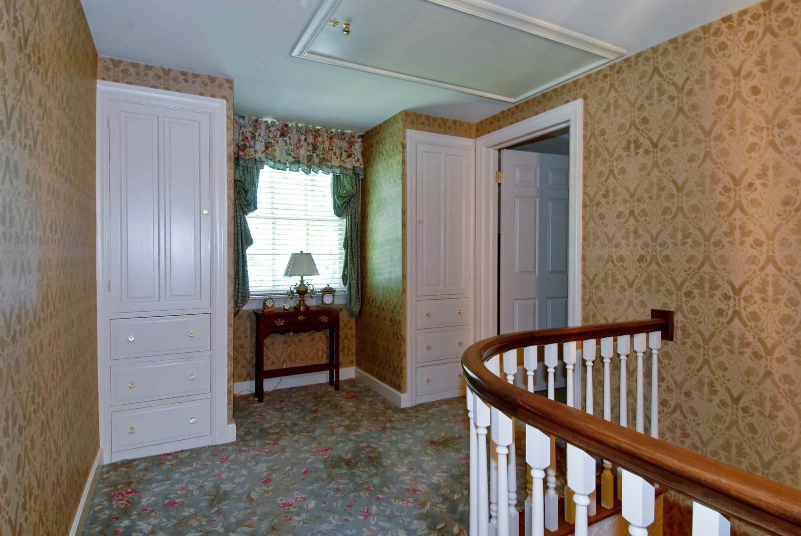 Real Estate Photography - 417 S McKinley, St Charles, IL, 60174 - Hallway