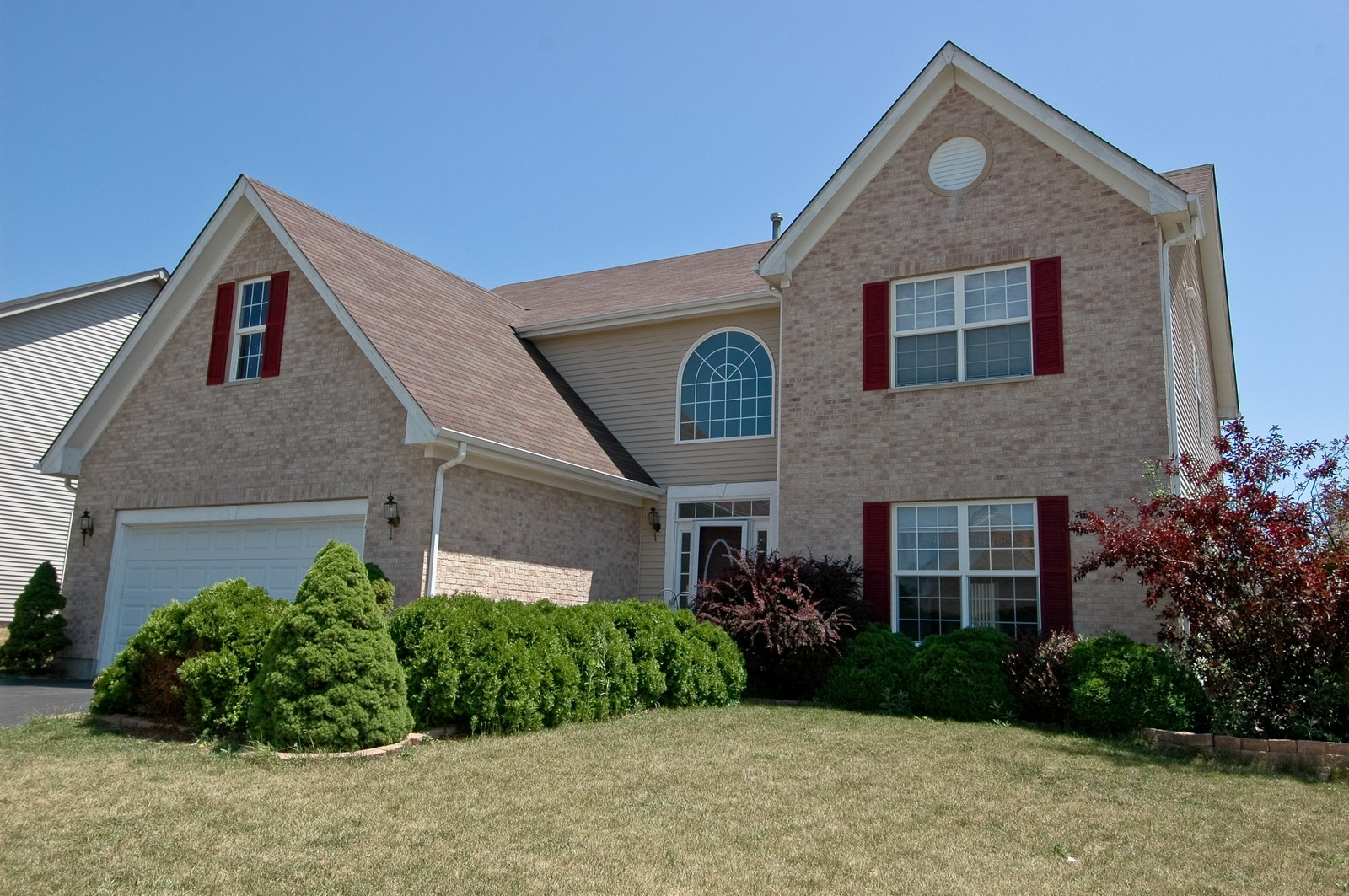 Real Estate Photography - 1211 Fieldstone, Crystal Lake, IL, 60014 - Front View