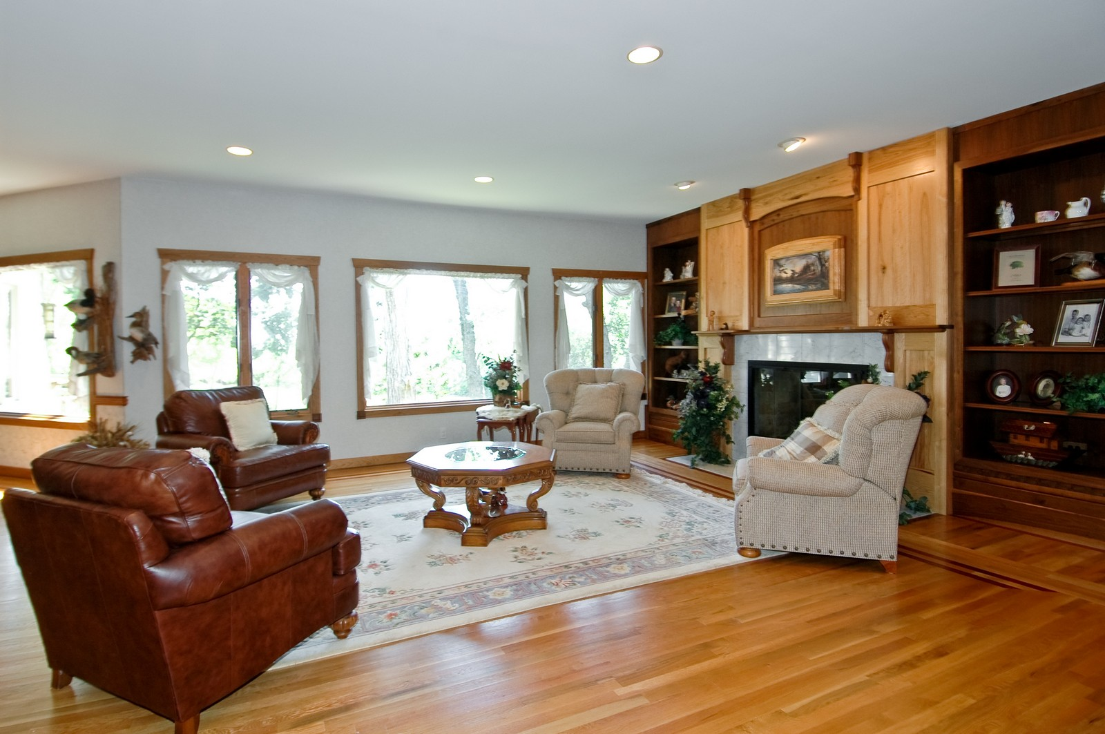 Real Estate Photography - 9004 Wildrose, Marengo, IL, 60152 - Living Room