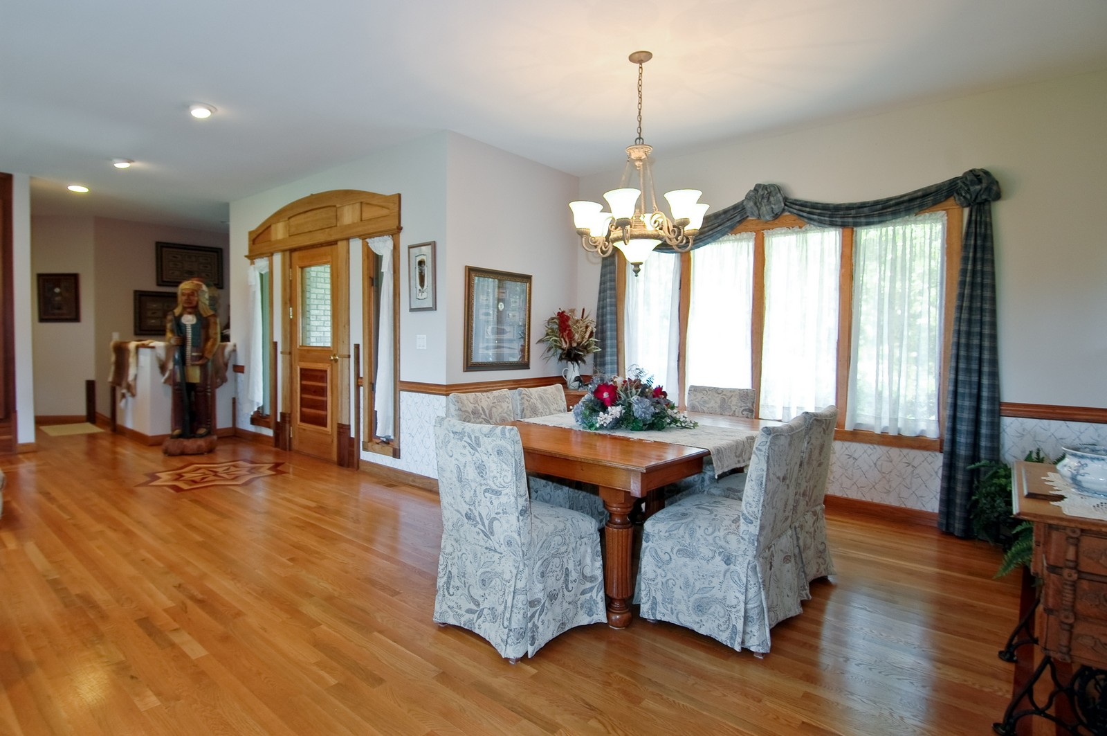 Real Estate Photography - 9004 Wildrose, Marengo, IL, 60152 - Foyer/Dining Room