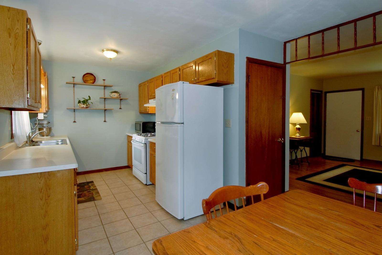 Real Estate Photography - 1625 Lucylle, St Charles, IL, 60174 - Kitchen / Breakfast Room