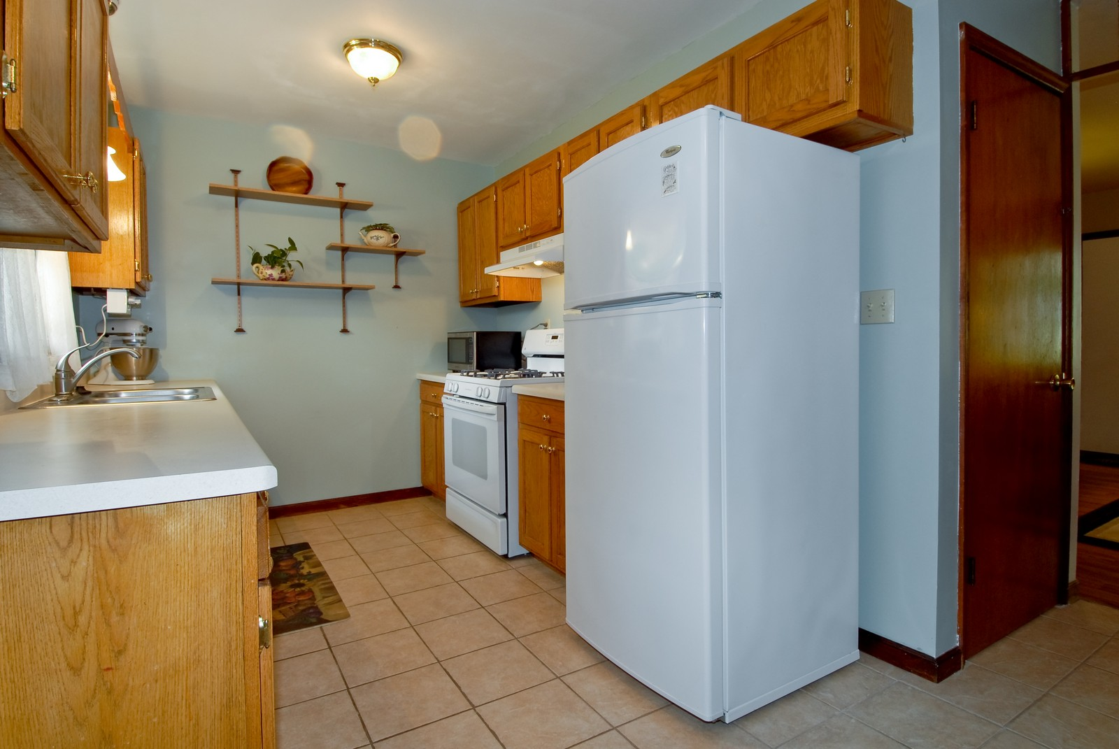 Real Estate Photography - 1625 Lucylle, St Charles, IL, 60174 - Kitchen