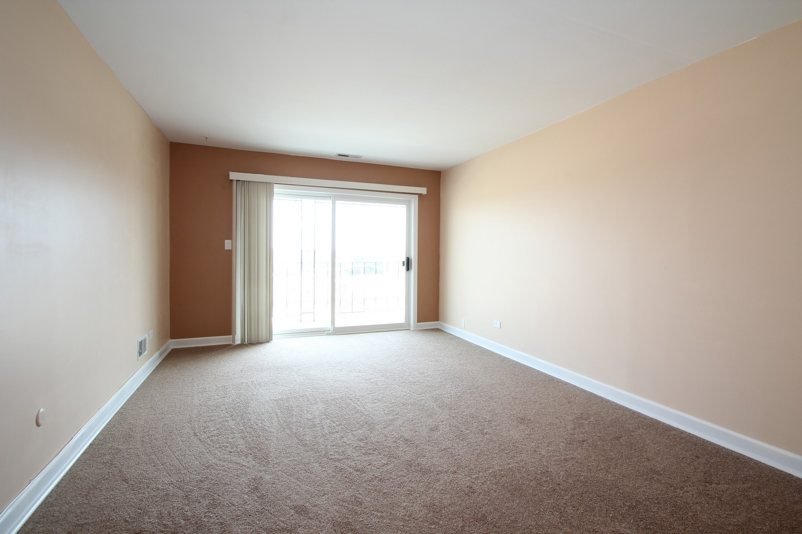 Real Estate Photography - 7525 W Lawrence, Unit 503, Harwood Heights, IL, 60706 - Living Room