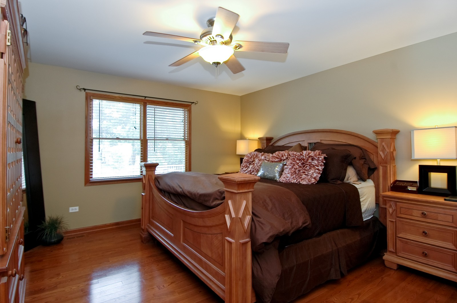 Real Estate Photography - 3440 Red Barn, Wonder Lake, IL, 60097 - Master Bedroom