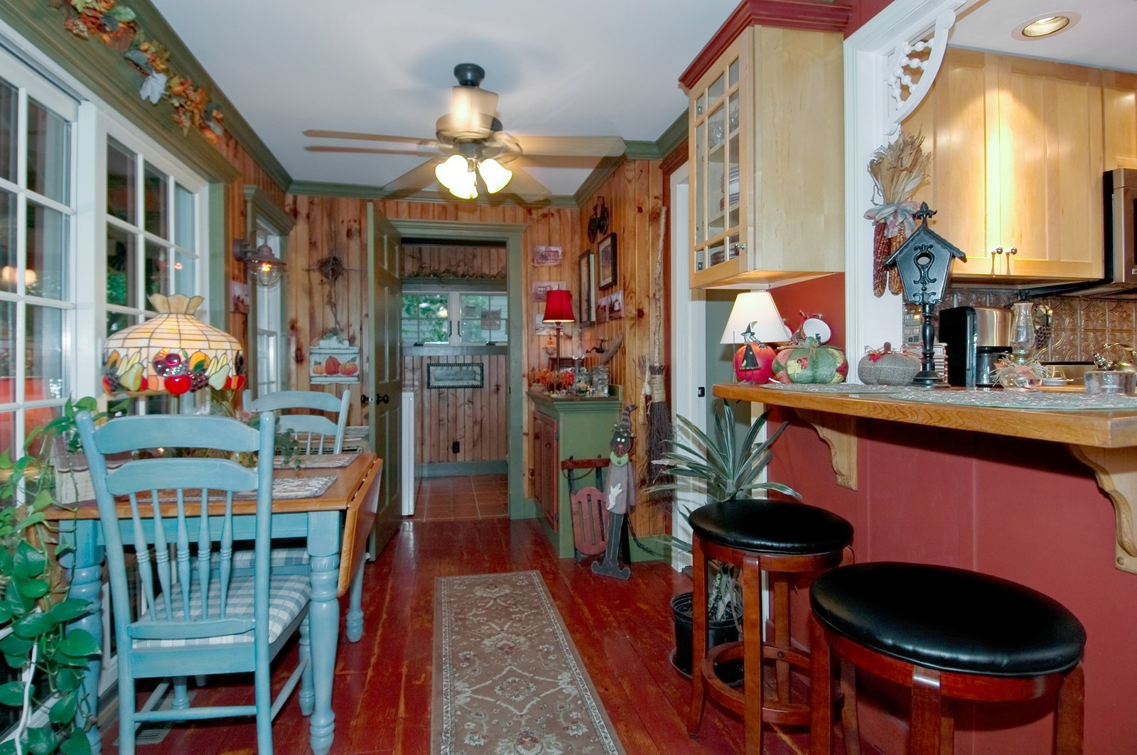 Real Estate Photography - 767 North Shore, Crystal Lake, IL, 60014 - Dining Area