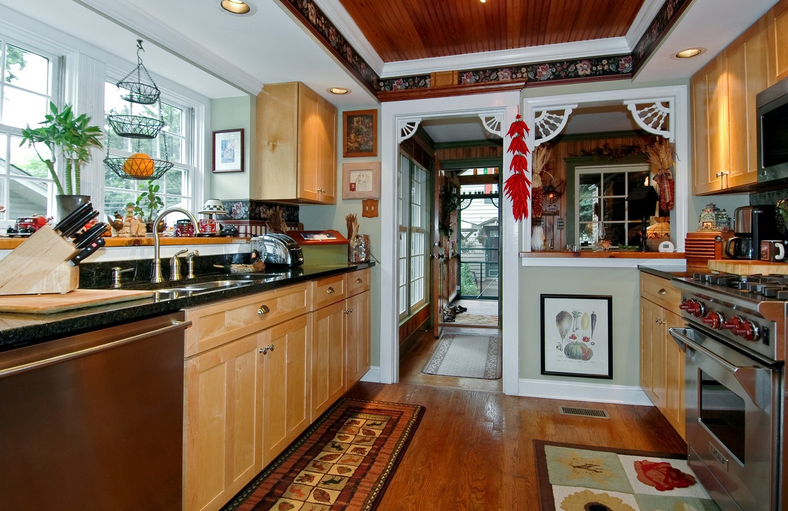 Real Estate Photography - 767 North Shore, Crystal Lake, IL, 60014 - Kitchen