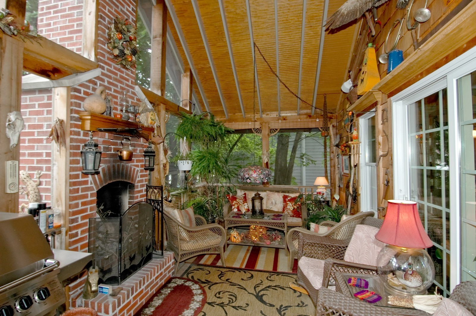 Real Estate Photography - 767 North Shore, Crystal Lake, IL, 60014 - Porch