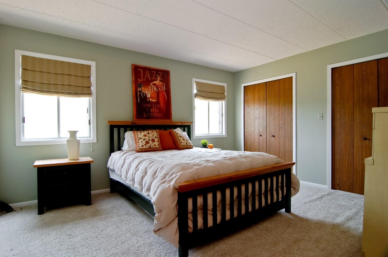 Real Estate Photography - 466 S President, Unit 204, Carol Stream, IL, 60188 - Master Bedroom