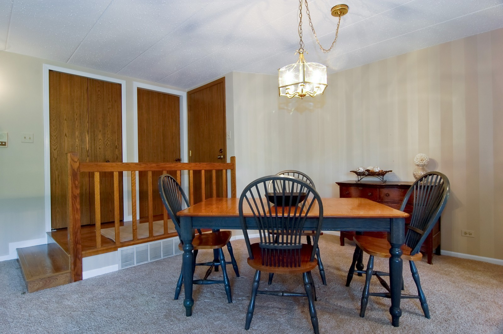 Real Estate Photography - 466 S President, Unit 204, Carol Stream, IL, 60188 - Dining Room