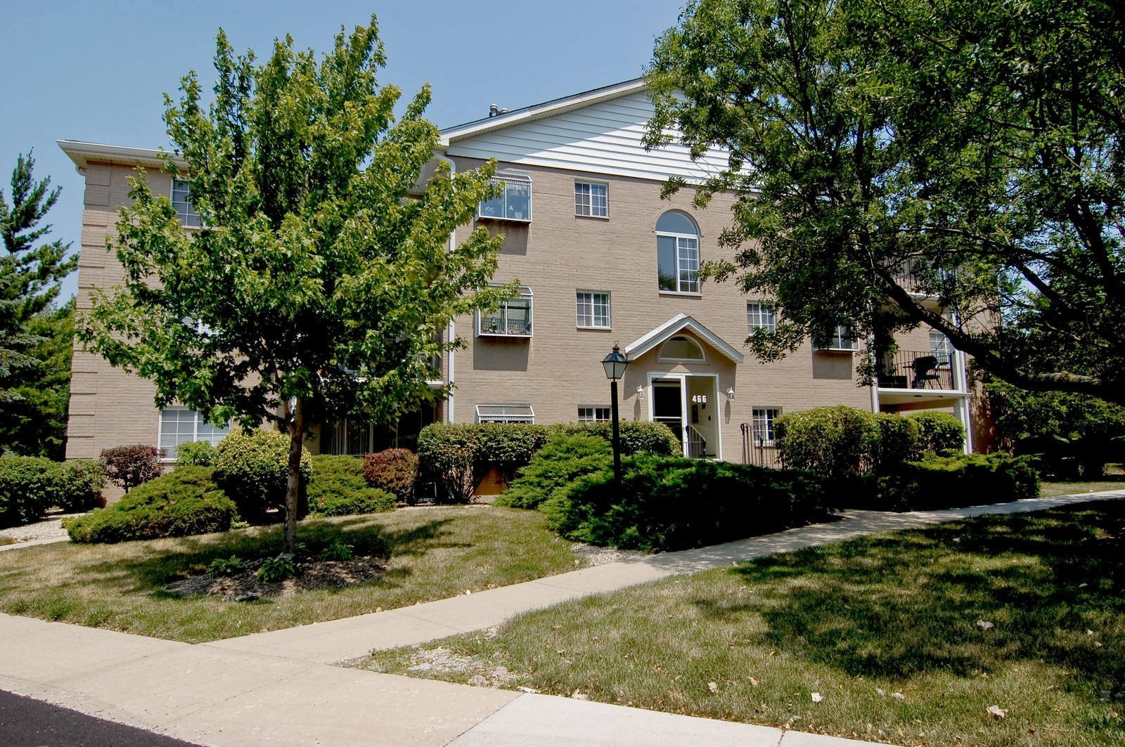 Real Estate Photography - 466 S President, Unit 204, Carol Stream, IL, 60188 - Front View