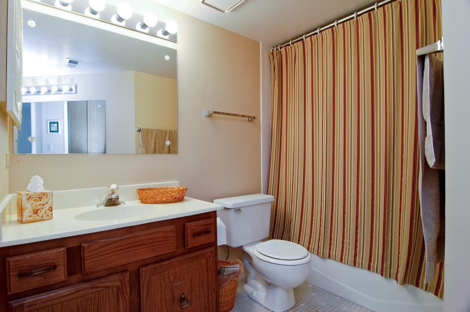 Real Estate Photography - 466 S President, Unit 204, Carol Stream, IL, 60188 - Bathroom