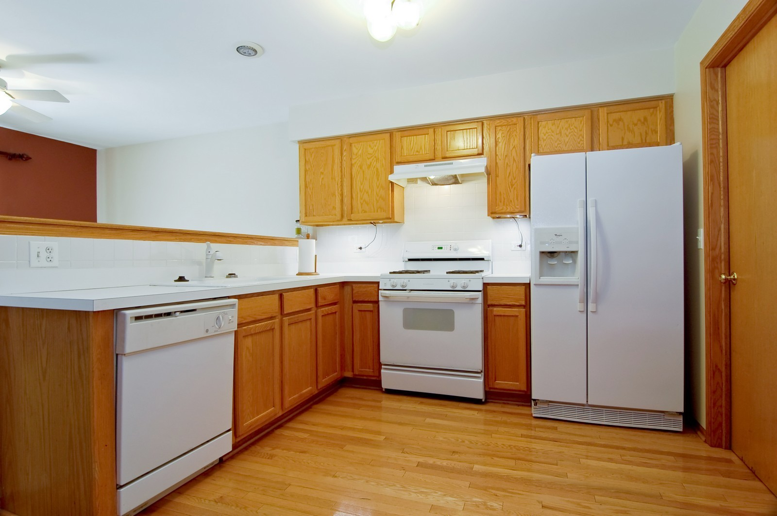 Real Estate Photography - 918 Jacob, West Chicago, IL, 60185 - Kitchen