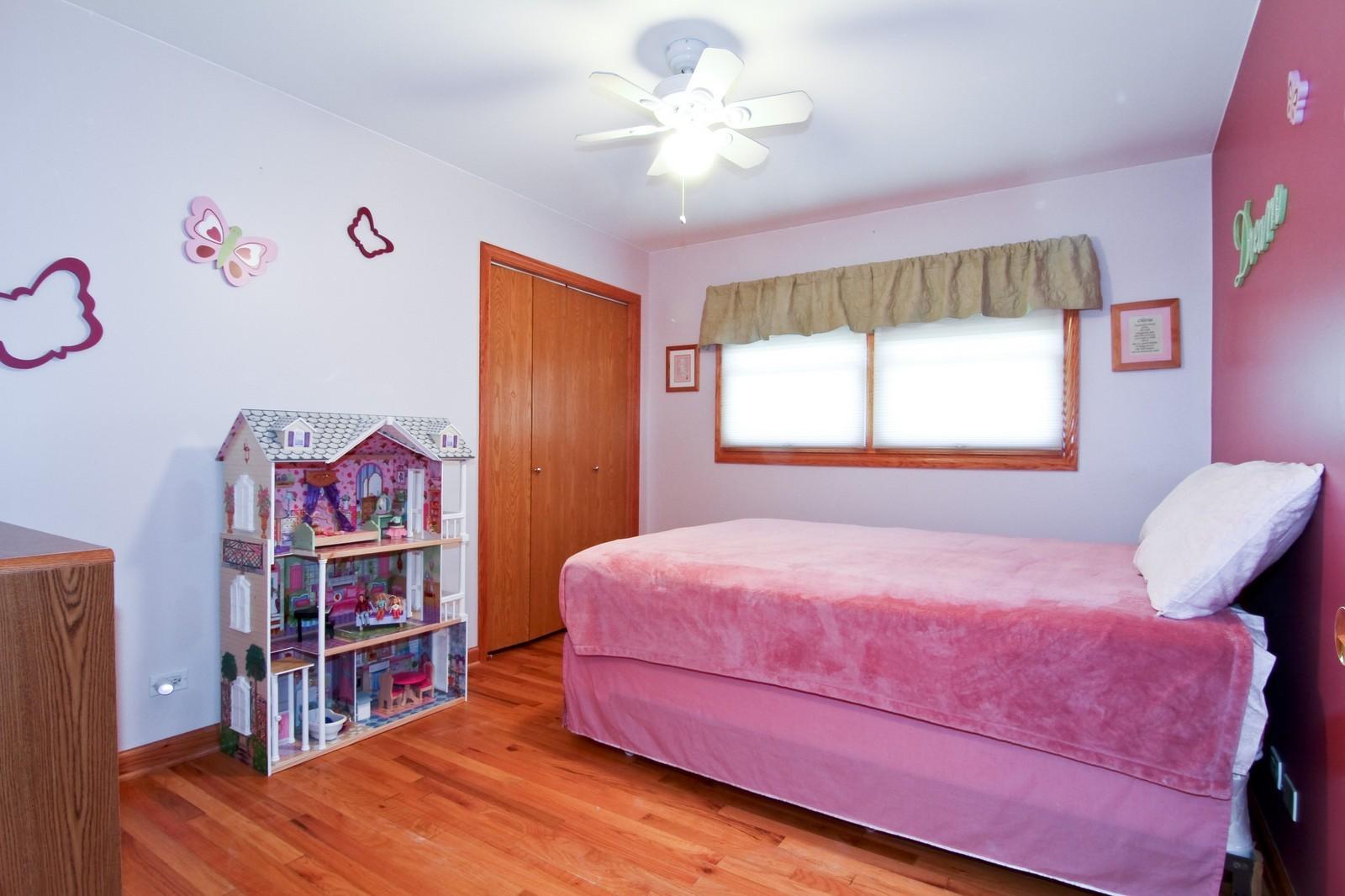 Real Estate Photography - 89 N Ott, Glen Ellyn, IL, 60137 - 3rd Bedroom