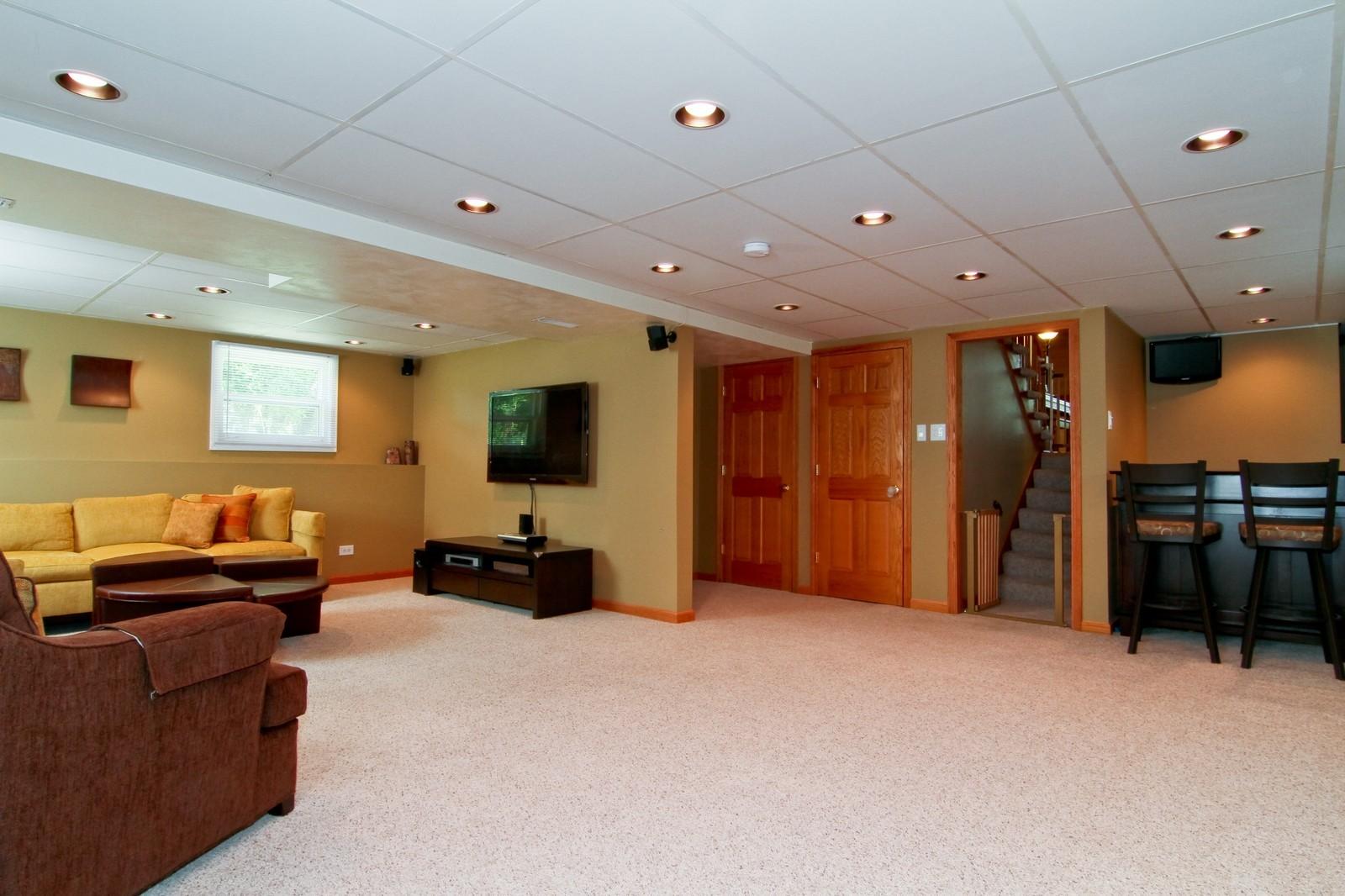 Real Estate Photography - 89 N Ott, Glen Ellyn, IL, 60137 - Family Room