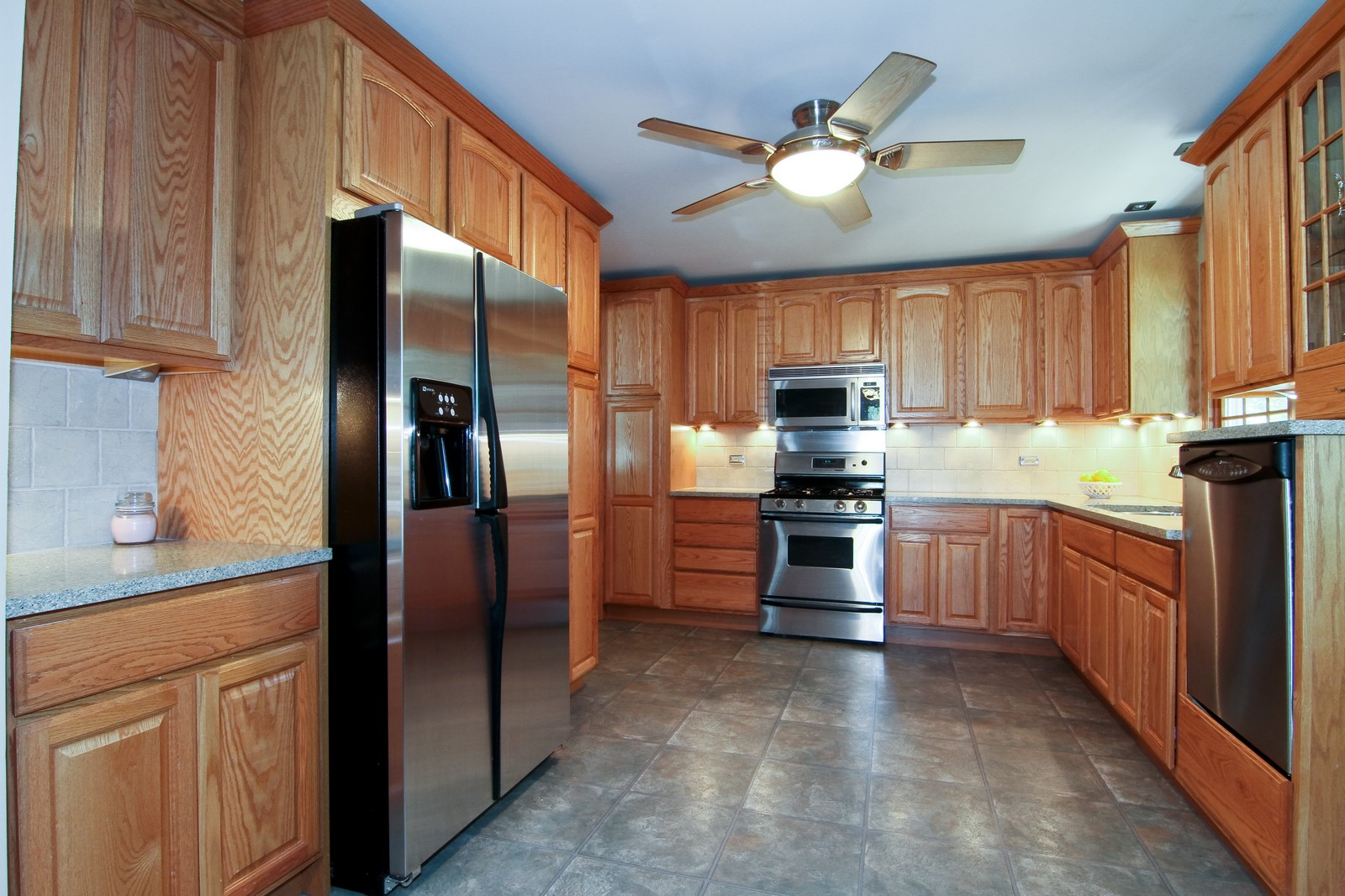 Real Estate Photography - 89 N Ott, Glen Ellyn, IL, 60137 - Kitchen