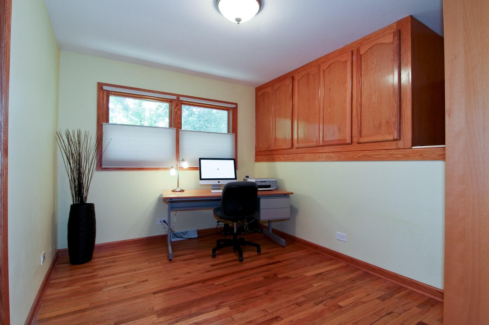 Real Estate Photography - 89 N Ott, Glen Ellyn, IL, 60137 - 4th Bedroom