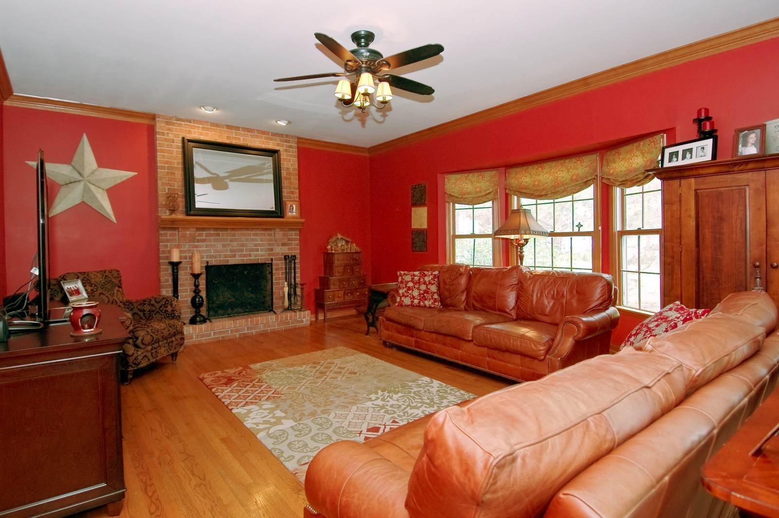 Real Estate Photography - 3500 Persimmon Dr, Algonquin, IL, 60102 - Family Room