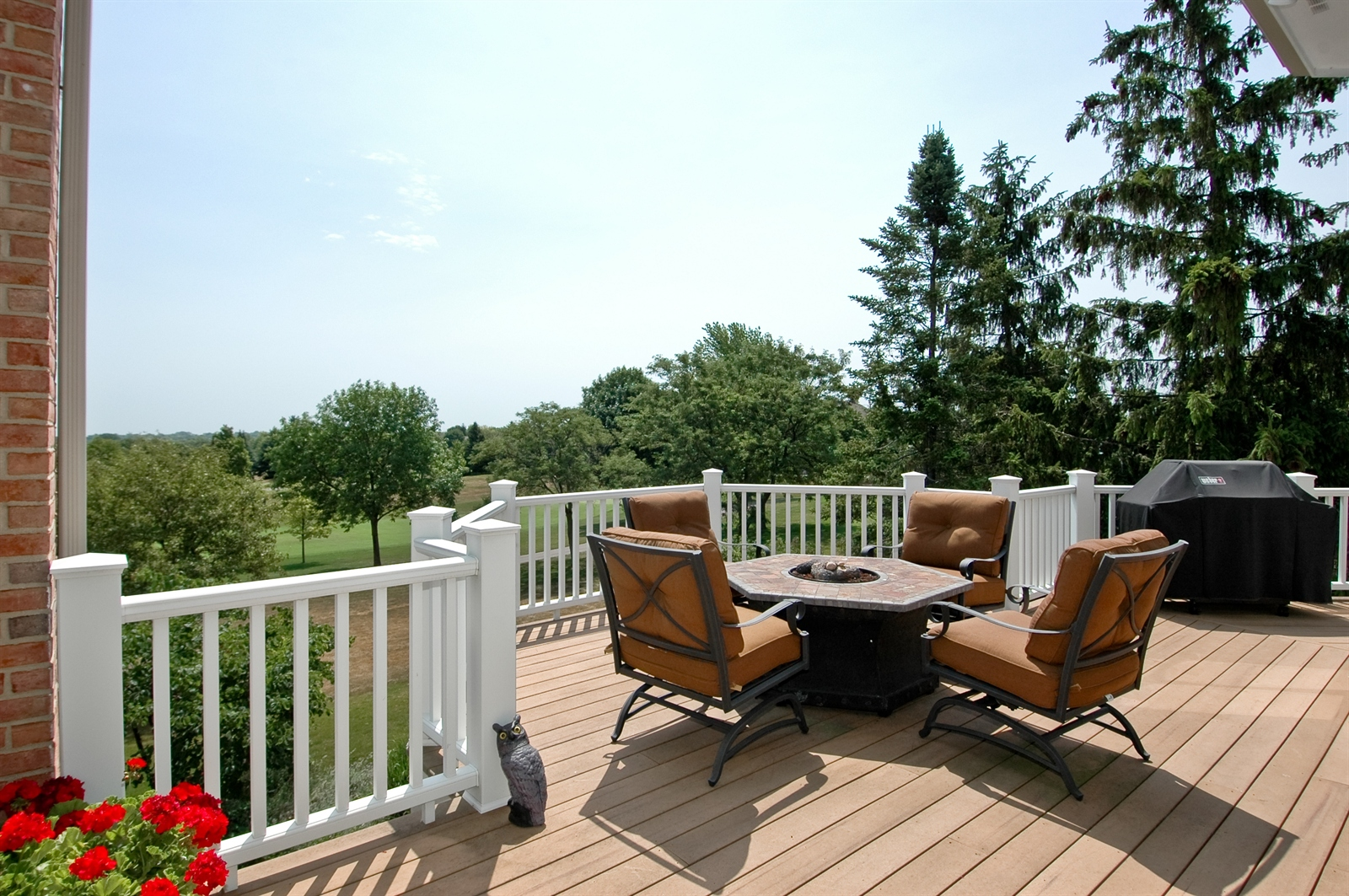 Real Estate Photography - 420 Mason Ln, Lake in the Hills, IL, 60156 - Deck